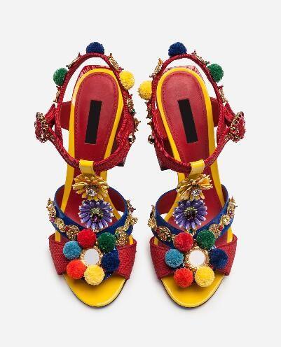 Sandali con tacco alto D19 nuovi fiori in pelle verniciata con palla di erba sandali con fibbia tacco grosso da donna con strass rosso