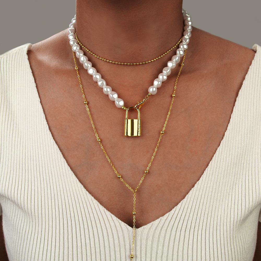 Simple verrouillage Pendentifs Exagéré femmes Accessoires personnalisés en alliage Colliers de perles chaîne Filles Chaînes clavicules Tide Choker