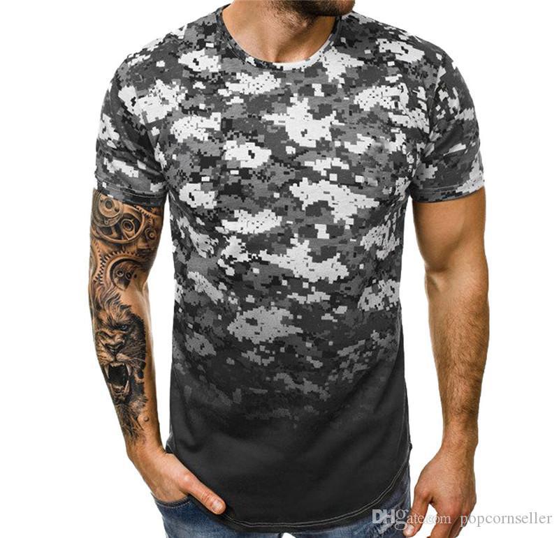 Desenhador de moda dos homens camisetas Camuflagem Gradiente Manga Curta Muscular Tees adolescentes Verão Tops Causal Mens Clothing