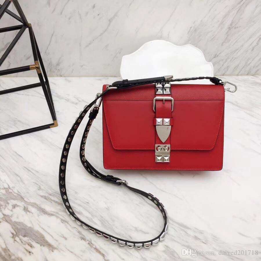 luxo Milan saco novo saco bolsa estilo clássico 94QI Europeia feita de ombro de couro Rivet cintas real senhoras banquete saco gem fivela;