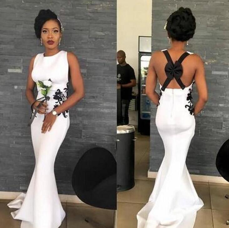 White Mermaid Prom Dresses Criss Cross Straps Sexy Back Lace Appliques Cocktail Party Gowns Sweep Train Jewel Neck Formal Evening Dresses