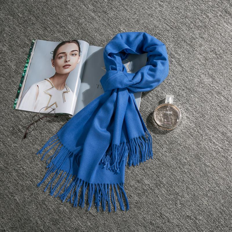 2020 printemps et en automne nouveau châle sauvage écharpe chaude style hiver pompon double face écharpe couleur unie