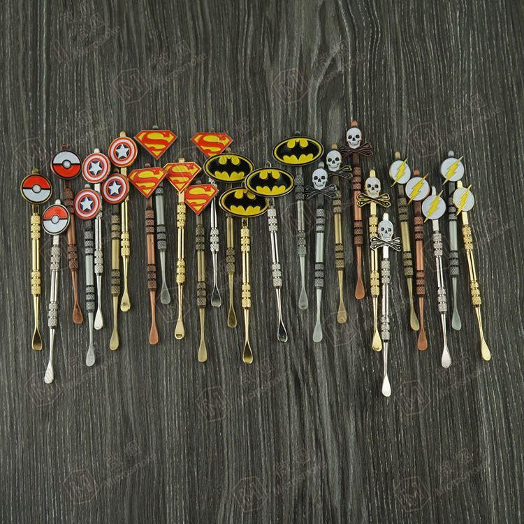 유행 디자인 스티커를 가진 Dabber 공구 Pokeball, Batman, Captain, superhero, Flash 및 Skull wax Dab tool 120mm Jars Tool