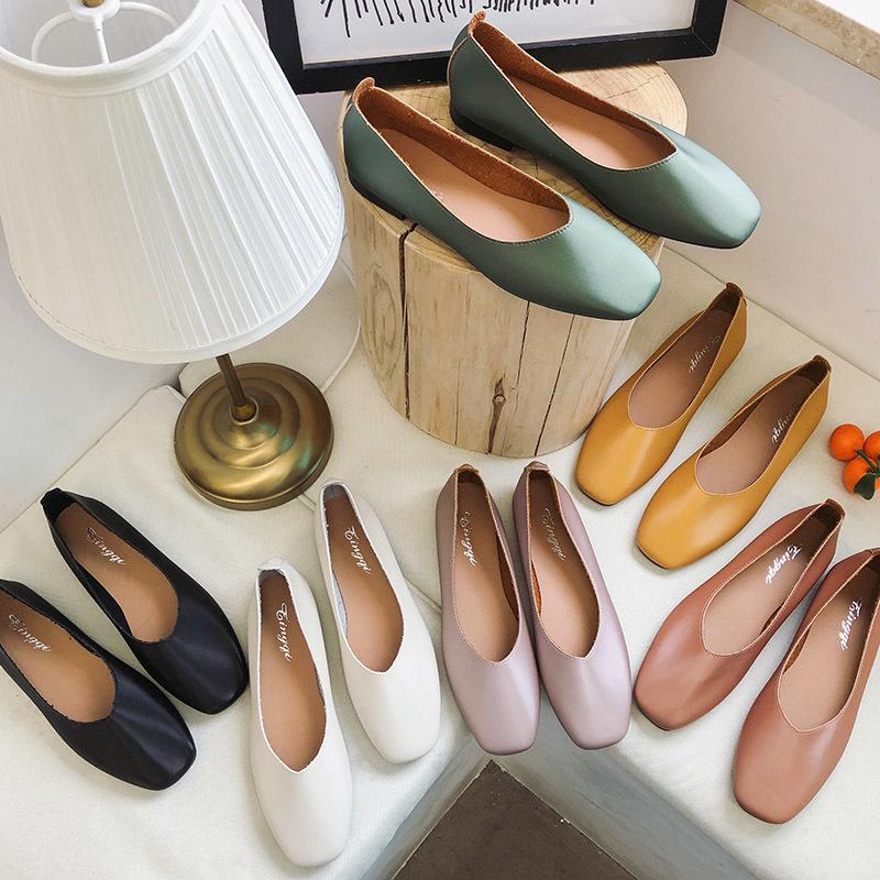 Frühlings-Slip-on flache Schuhe Frauen Loafers Süßigkeit-Farben-quadratische Zehe-Ebene-Frau Bootsschuhe zapatos Mujer Oxford Schuhe romeetse 7390 T200408