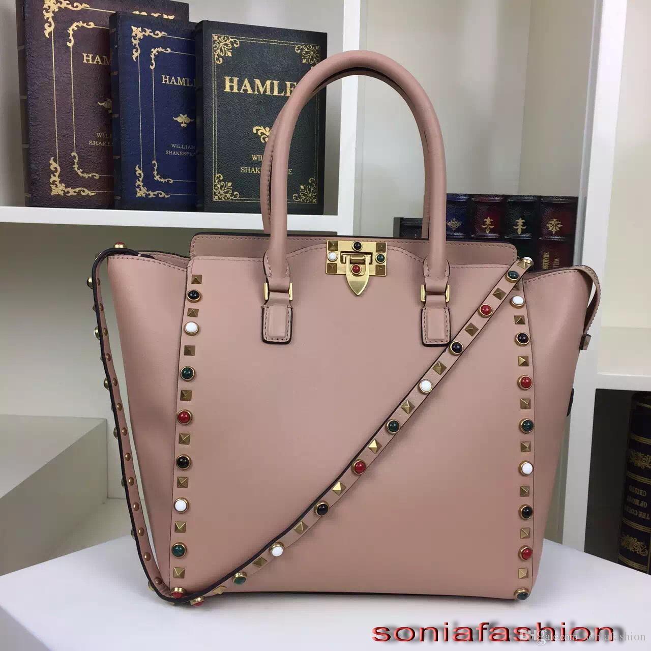 Livraison gratuite vente Hot nouveau sac styles de femmes véritable sac rivet épaule femmes en cuir de couleur tot Sacs
