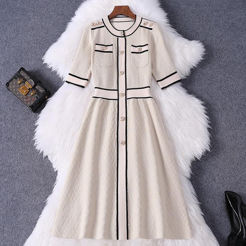2020 весна лето Половина рукава круглый вырез хаки контрастный цвет панельные пуговицы длиной до колен платье модные повседневные платья W15M88857
