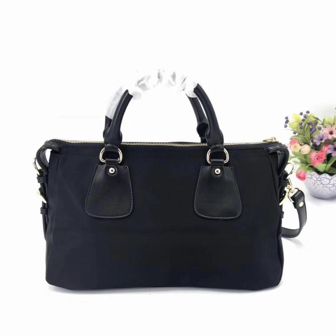 Mensageiro lona Designer Bag for femininas Mulheres Waterproof Bag Couro Designer bolsa de couro Bolsa de Ombro Tote Bolsas presbiopia Purse