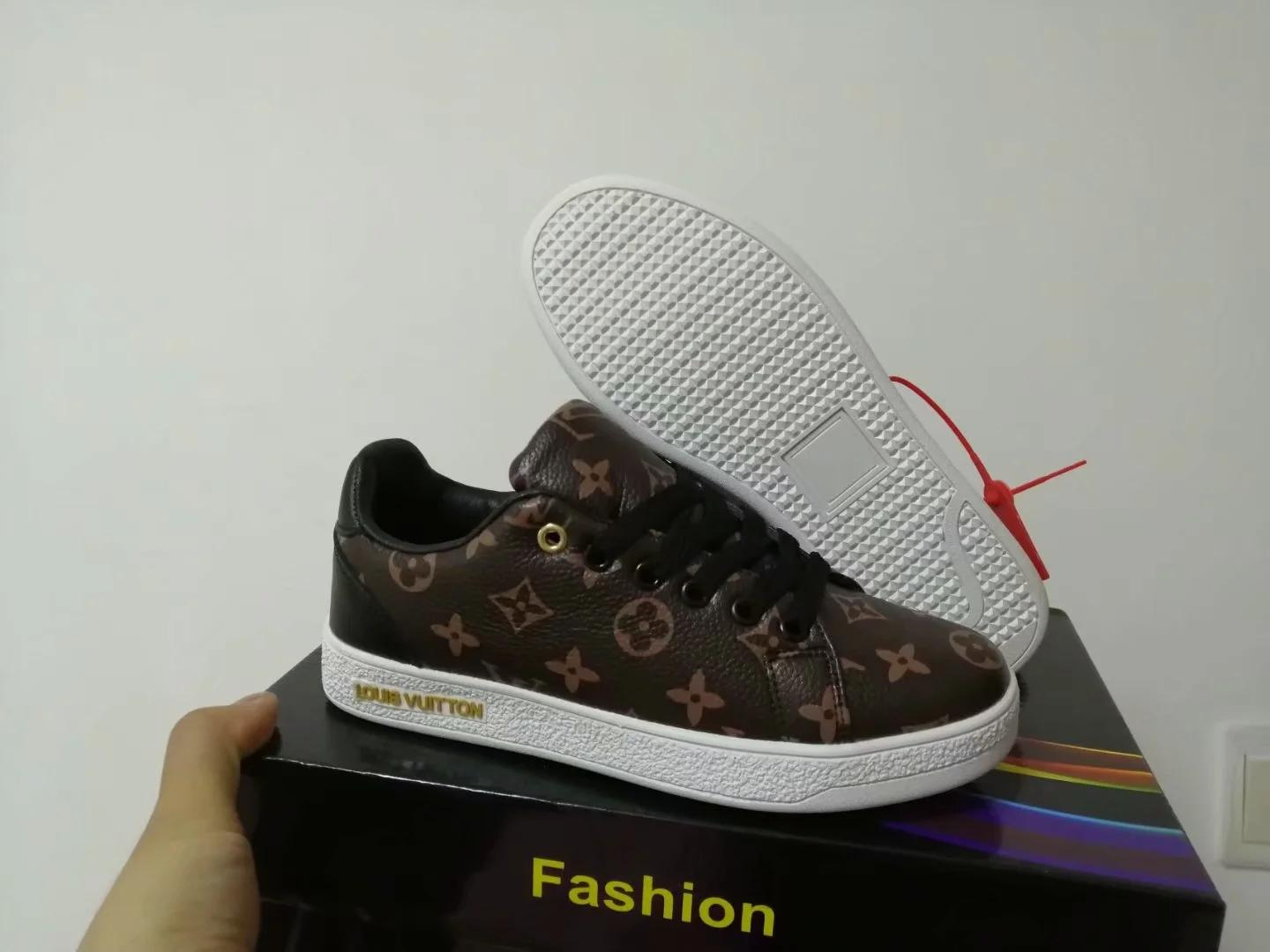 Brand letter L and V new sport Suede Walking Hiking Shoes running shoes Fall fashion boys flat casual grils sneakers