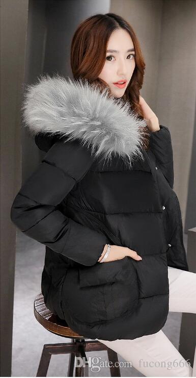 Freies Verschiffen 02 Frauen neue Baumwolle Mantel Frauen kurze Winter koreanische Mode große Pelzkragen Baumwolle Kleidung Damenjacke