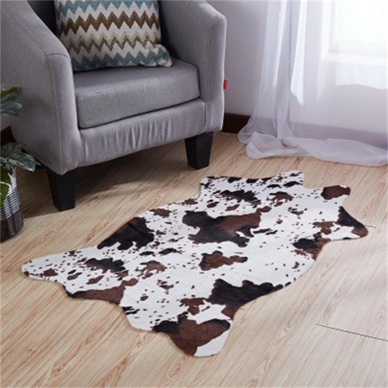 Imitación vaca patrón de la piel Dormitorio Alfombra caballo impresión de la raya de látex para no Slip Mat Negro y de la Casa Blanca de habitaciones populares utilizados H1 26xy