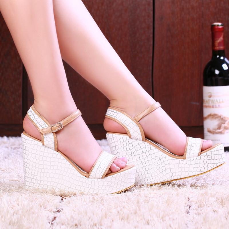 2020 новые сандалии Женские с открытым носком дышащая пряжка ремень обувь Римская ретро партия клинья толстые нижние сандалии Баян сандалет