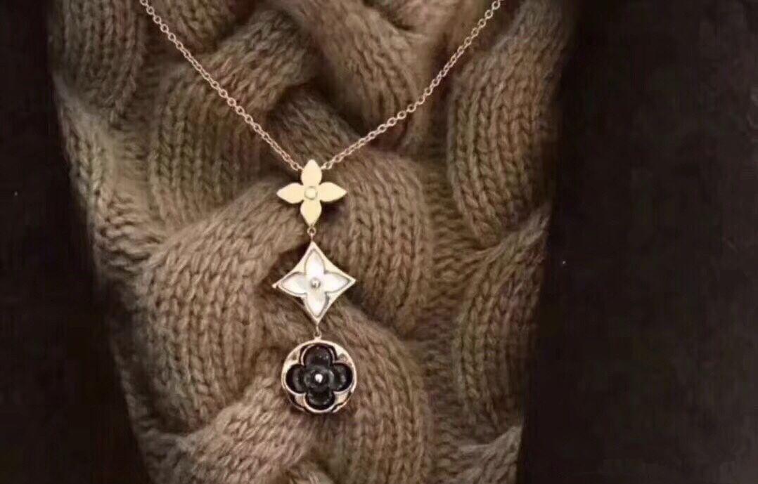 202 de alta calidad de la joyería collar de 3 colores de la moda colgante collar de concha de las mujeres exquisitamente tallada joyería de alta calidad