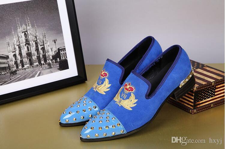 Neue Britische Männer Samt Schuhe Metall Zehe mit Handarbeit Blumenstickerei männer Wohnungen Mode Oxfords low-top hochzeit schuhe H205