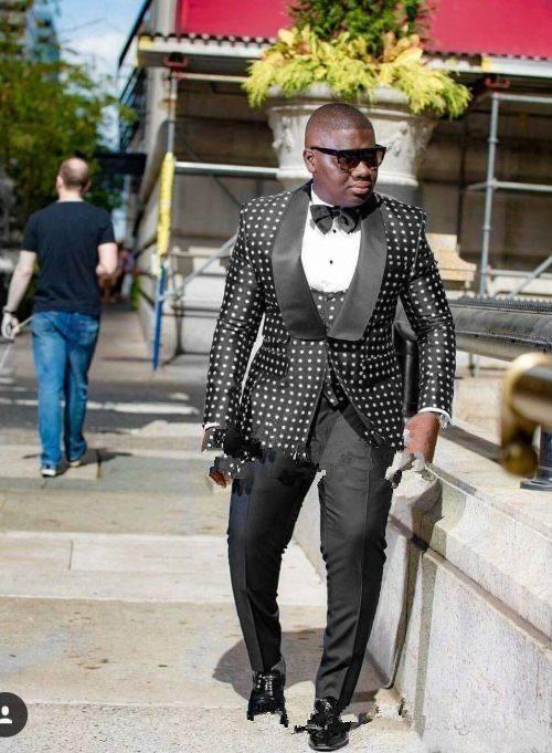 Novo Design Um Botão Preto Dot Noivo Smoking Xaile Lapela Groomsmen Melhor Homem Terno Ternos de Casamento Dos Homens Noivo (Jaqueta + Calça + colete + Gravata)