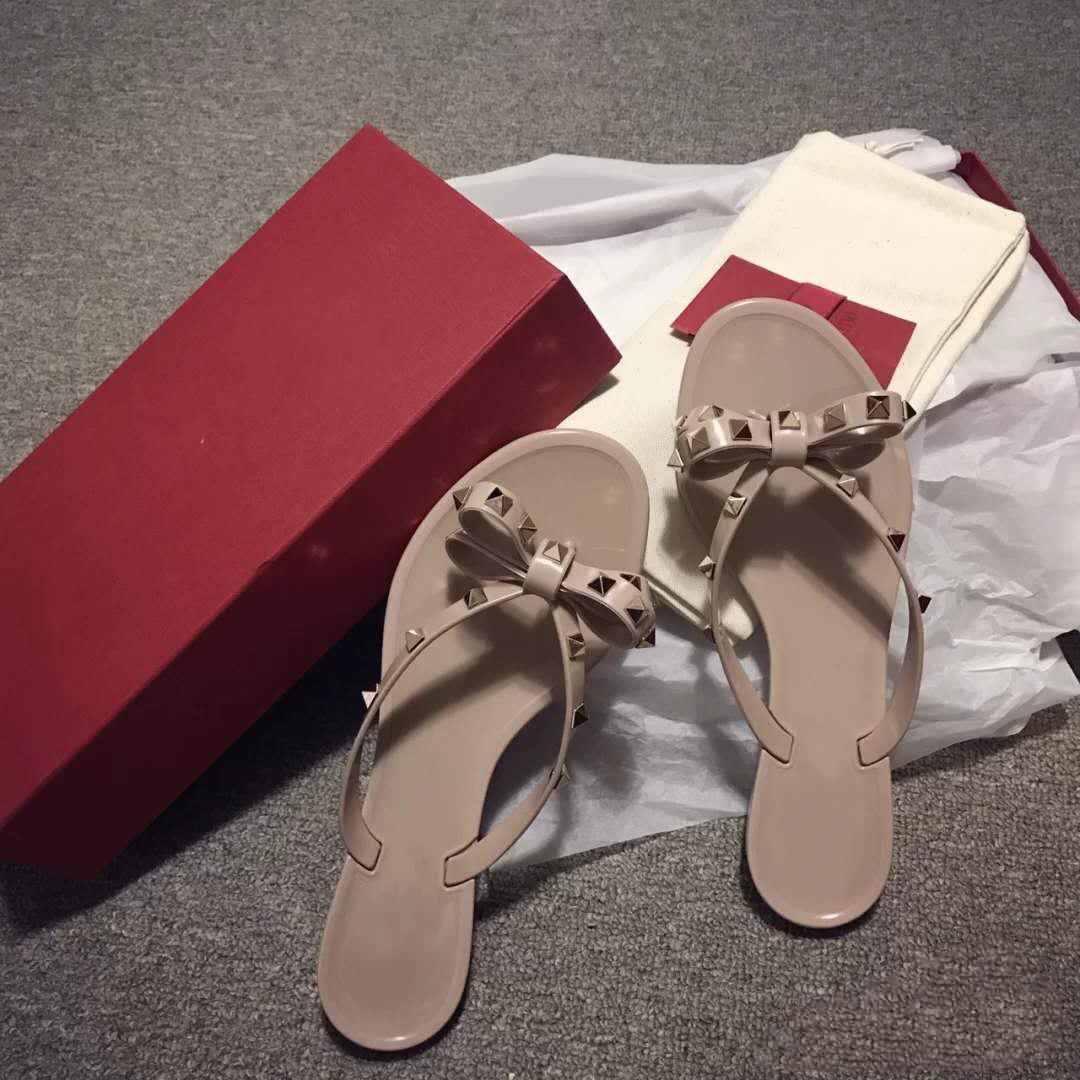 Sandálias Mulheres Rivet Bow Knot Plano Chinelos Sandália Tachas menina Shoes New Arrivel Jelly Platform Slides Lady Flip Flops com Box 35-41