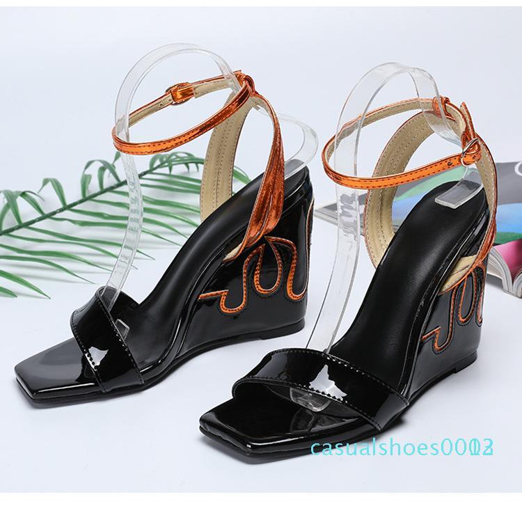 Sexy Femmes nouvelle chaussure unique 35-43 rivet européenne casual américaine boucle sandales minces à talons hauts côté chaussures de coin des femmes vides rouge C03 noir