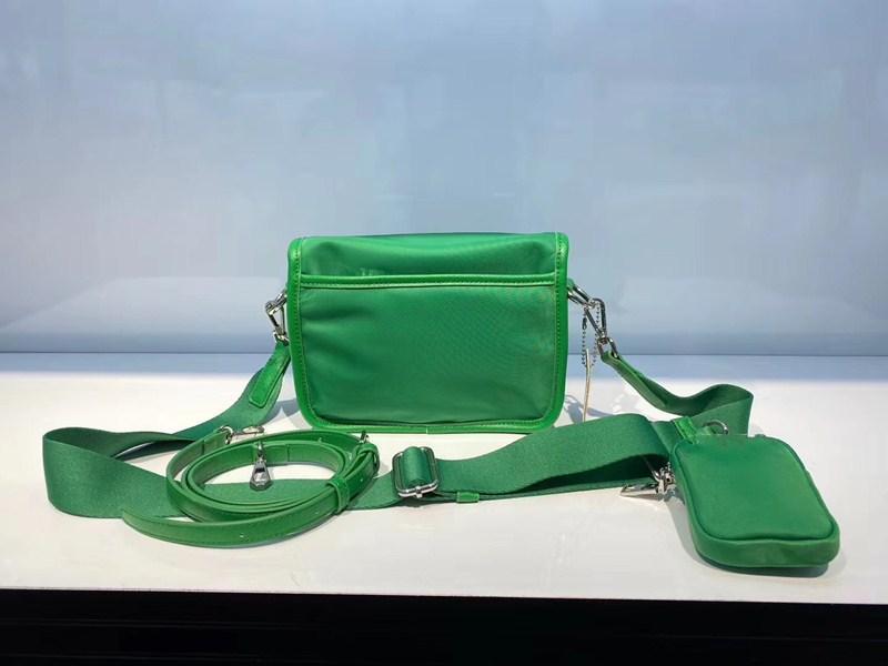 Nylon Arrival Sac Designer Mode Messenger Sac à main Cross-Body Nouveaux sacs à main à l'eau pour femmes Mens de luxe EtCMC