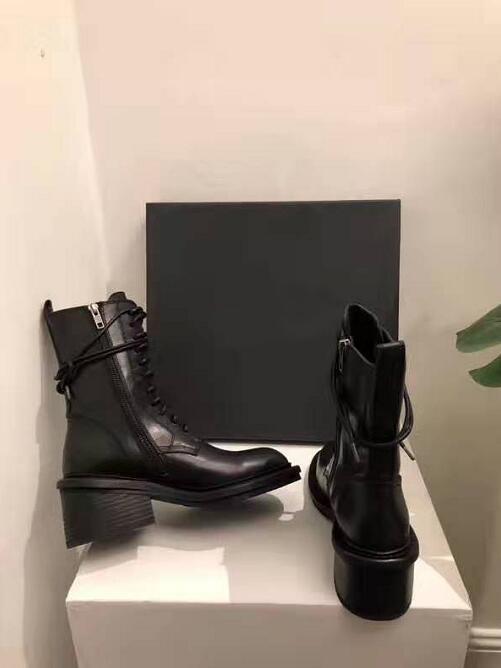 Kadın Ann Boots Siyah Hakiki Deri Dantel-up Demeulemeester Bilek Boots Yuvarlak Burun Yan Zip Chunky Blok Topuk Biker Boots Ayakkabı