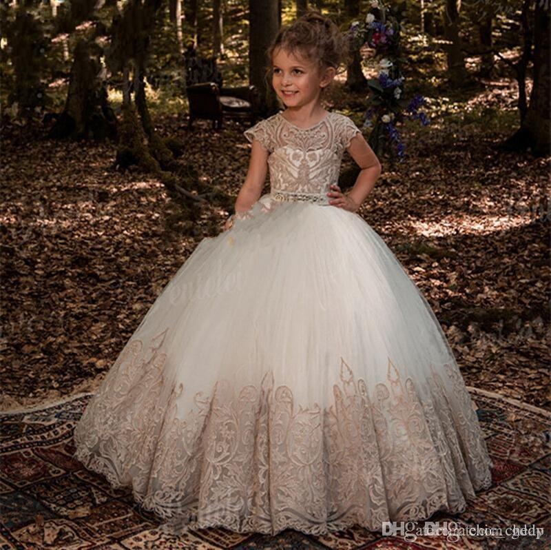 Vestidos de niña de flores Princesa Vestido de bola con hombros descubiertos con flores de mariposa Puffy Kids Toddler Pageant Gown
