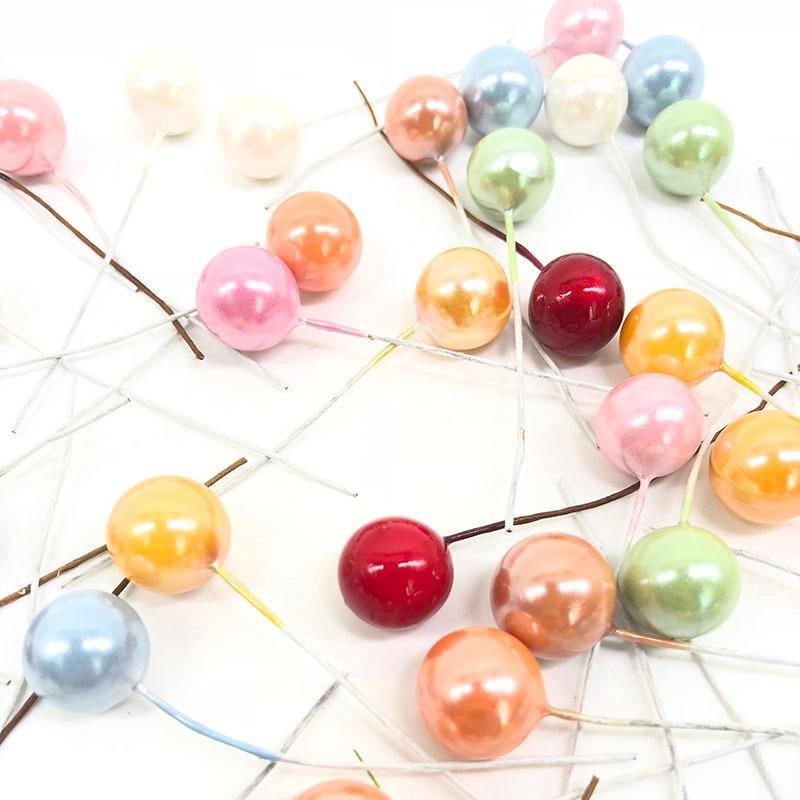 Hermosa 50Pcs / lot mini flor de la fruta artificial de cereza estambres plástico de Navidad perla Bayas boda de DIY regalo caja decorada Coronas
