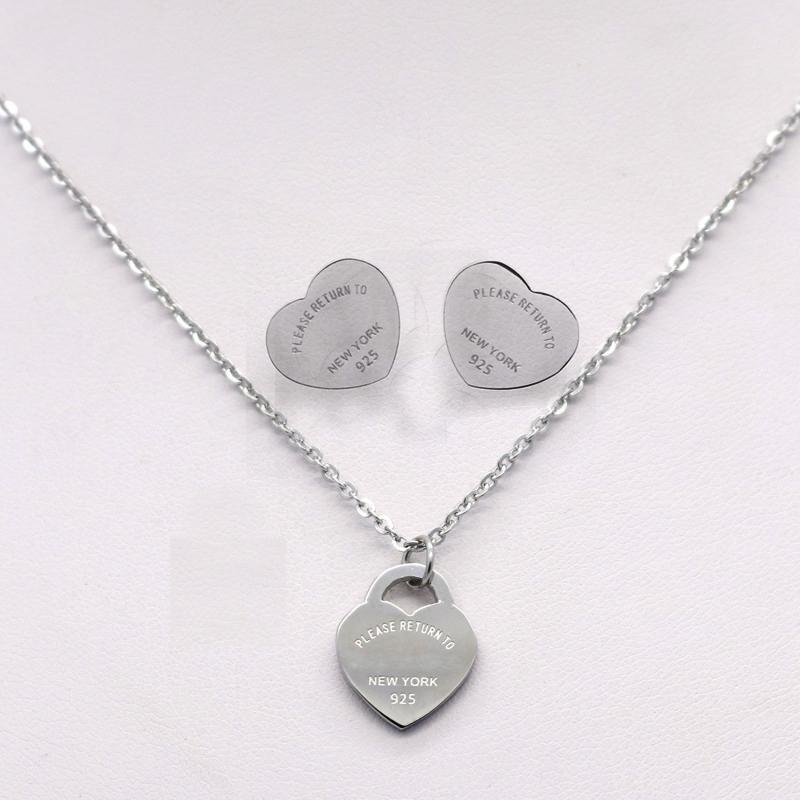 Moda d'argento in acciaio inox T Logo Collana Cuore Amore orecchini per le lettere orecchini delle donne Collane