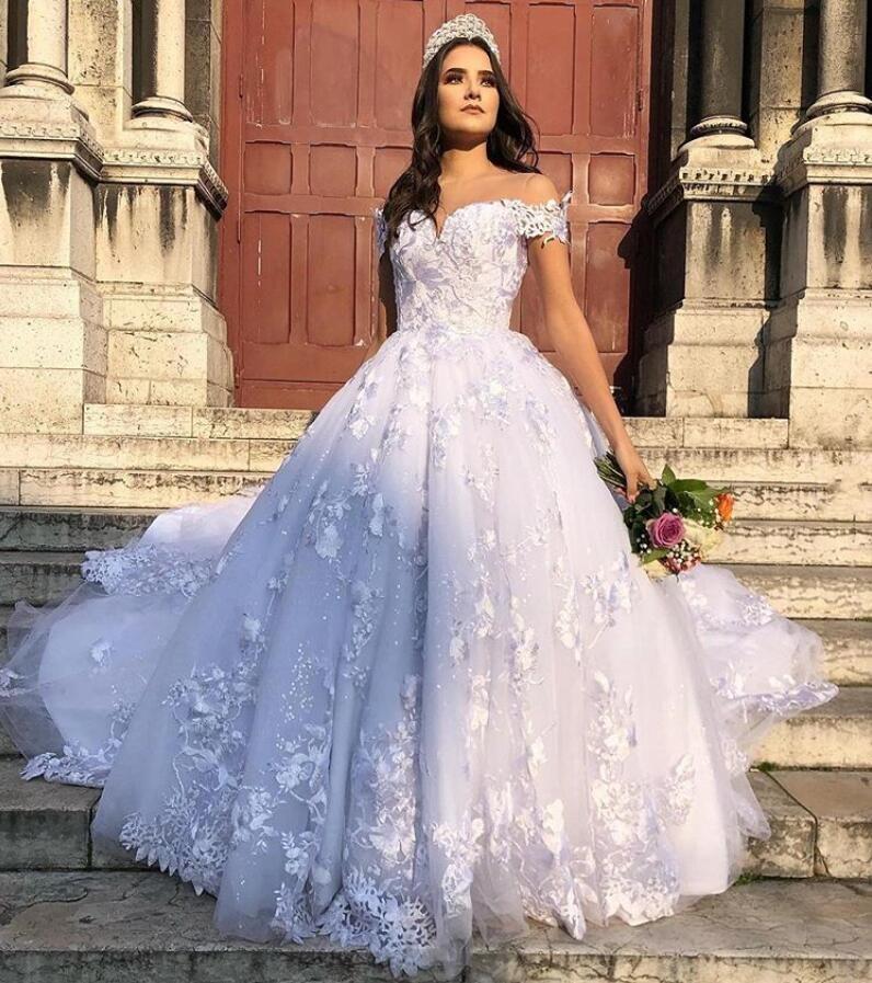 robe de mariée 2020 Bianco merletto di Appliques Abiti da sposa Una linea elegante fuori dalla spalla coperto pulsanti Back Plus Size Abiti da sposa