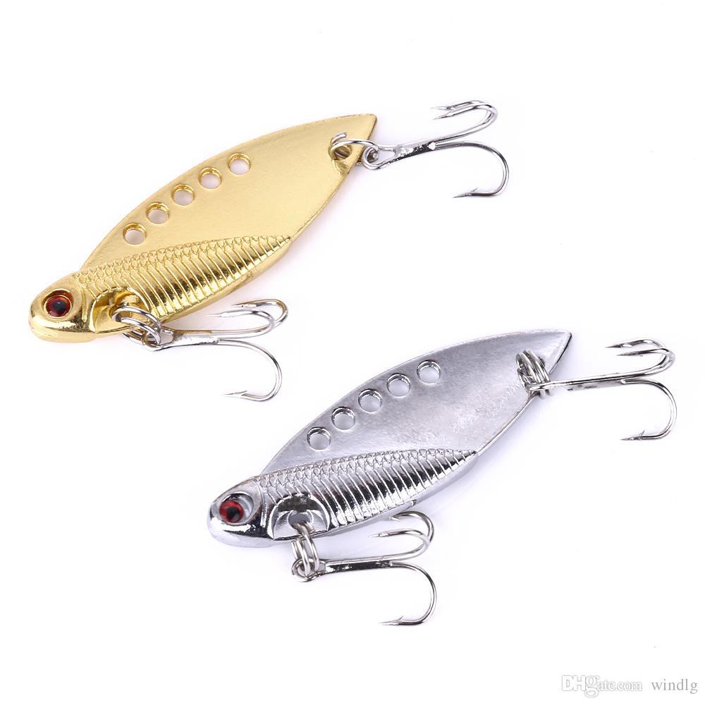 Hengjia 100Pcs vibrazioni 5CM 11G di pesca del metallo di richiamo di basso VIB metallo pesce esca esche cucchiaio saldo 8 # ganci blu occhi rossi 3d