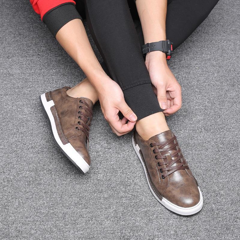 2020 New Grande Taille Chaussures Hommes Printemps et Automnes Chaussures Hommes du Conseil britannique de la Jeunesse Mode respirante Souliers simple à lacets Tout match Fashion Sh