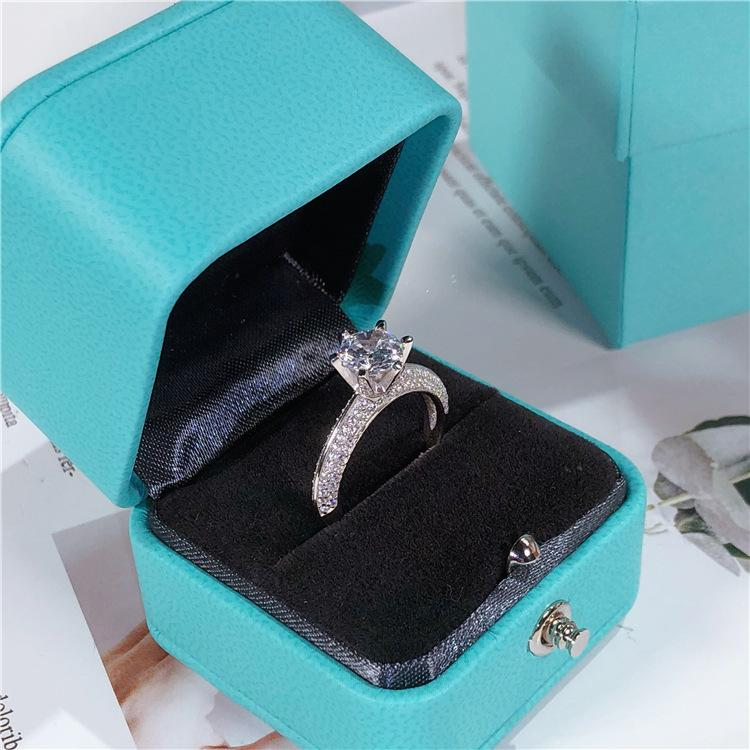 Women's 925 sterling silver micro-drilled ring + box