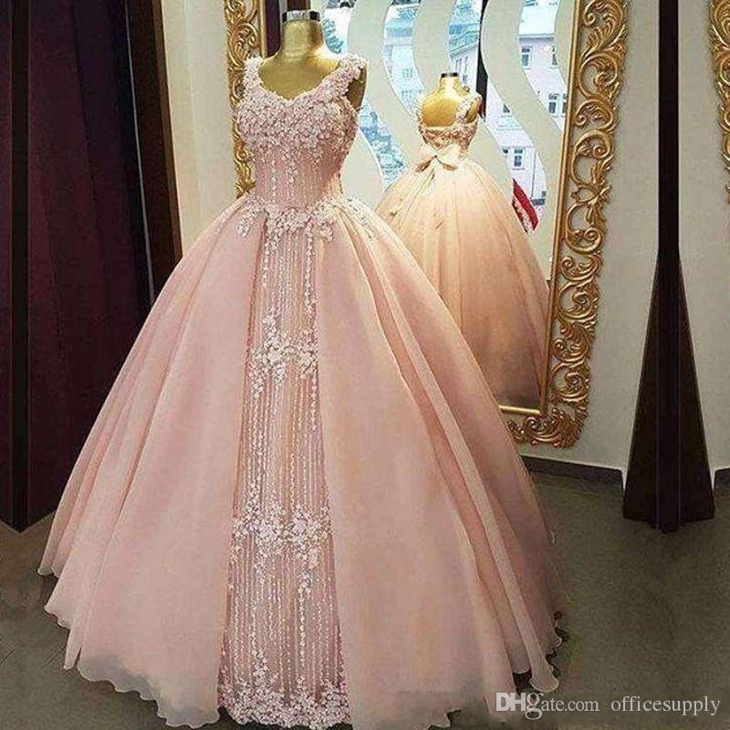 Blush Pink Princess Quinceanera Prom Dress Ball Gown Appliques di pizzo con perline scintillanti Plus Size Economici Sweet 16 Abiti da debuttante