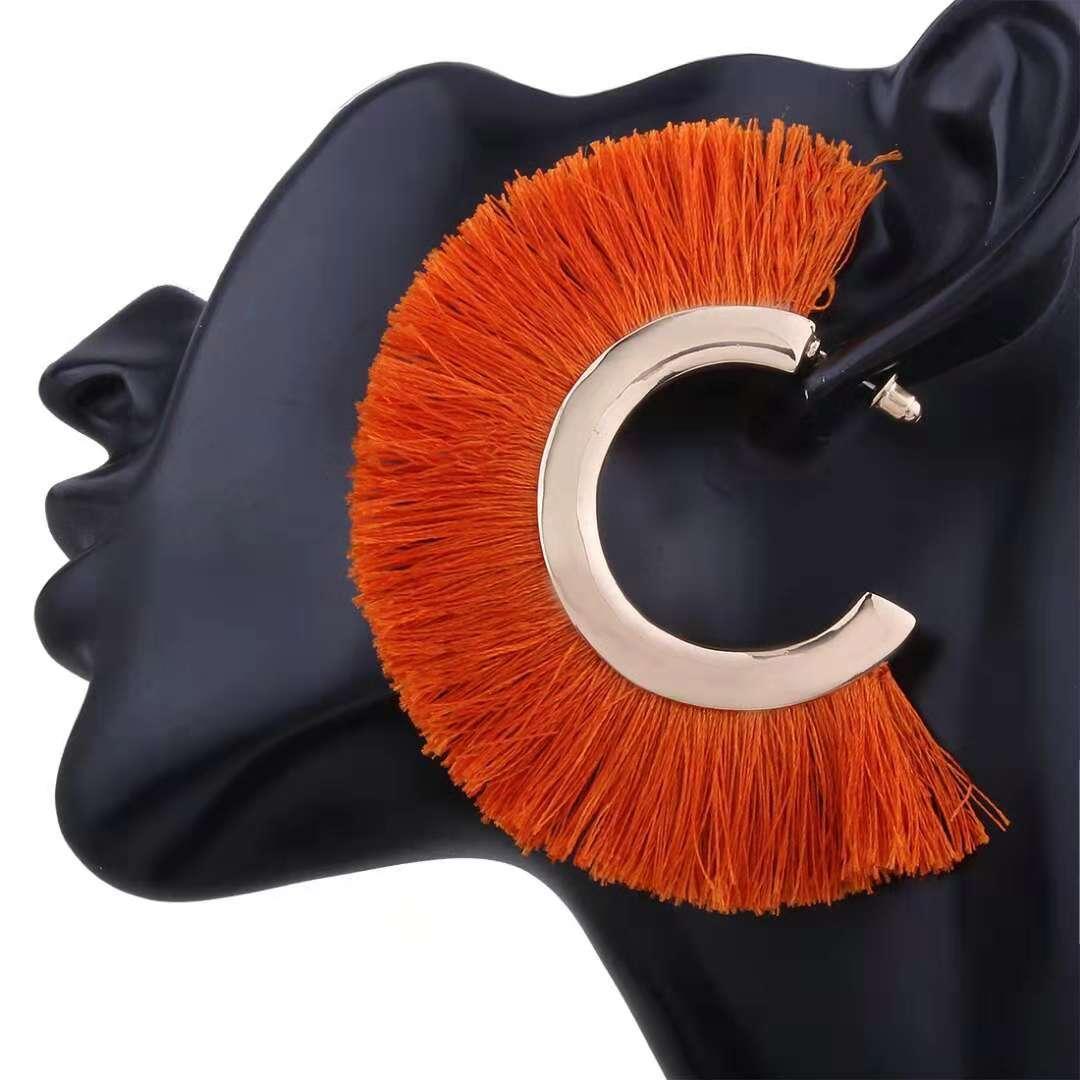 도매 - 변두리의 매력 귀걸이 6 색 화려한 블루 블랙 화이트 오렌지 어두운 해군 빨간색 합금 귀 드롭 보헤미아 팬 귀 보석의 술