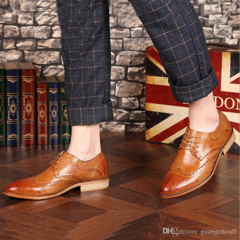 Brogue Marrom Preto Homens Negros Sapatos de Vestido de Negócios Apontou Toe Sapatos de Casamento Dos Homens de Couro Sapatos Formais flats casuais