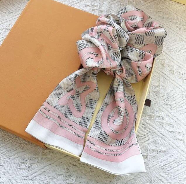 Neue Art Art und Weise Frauen Stirnbänder Seide Brief Haar Gummibänder Tide Marken Damen Retro-Haar-Band mit Druck Haarschmuck für Party