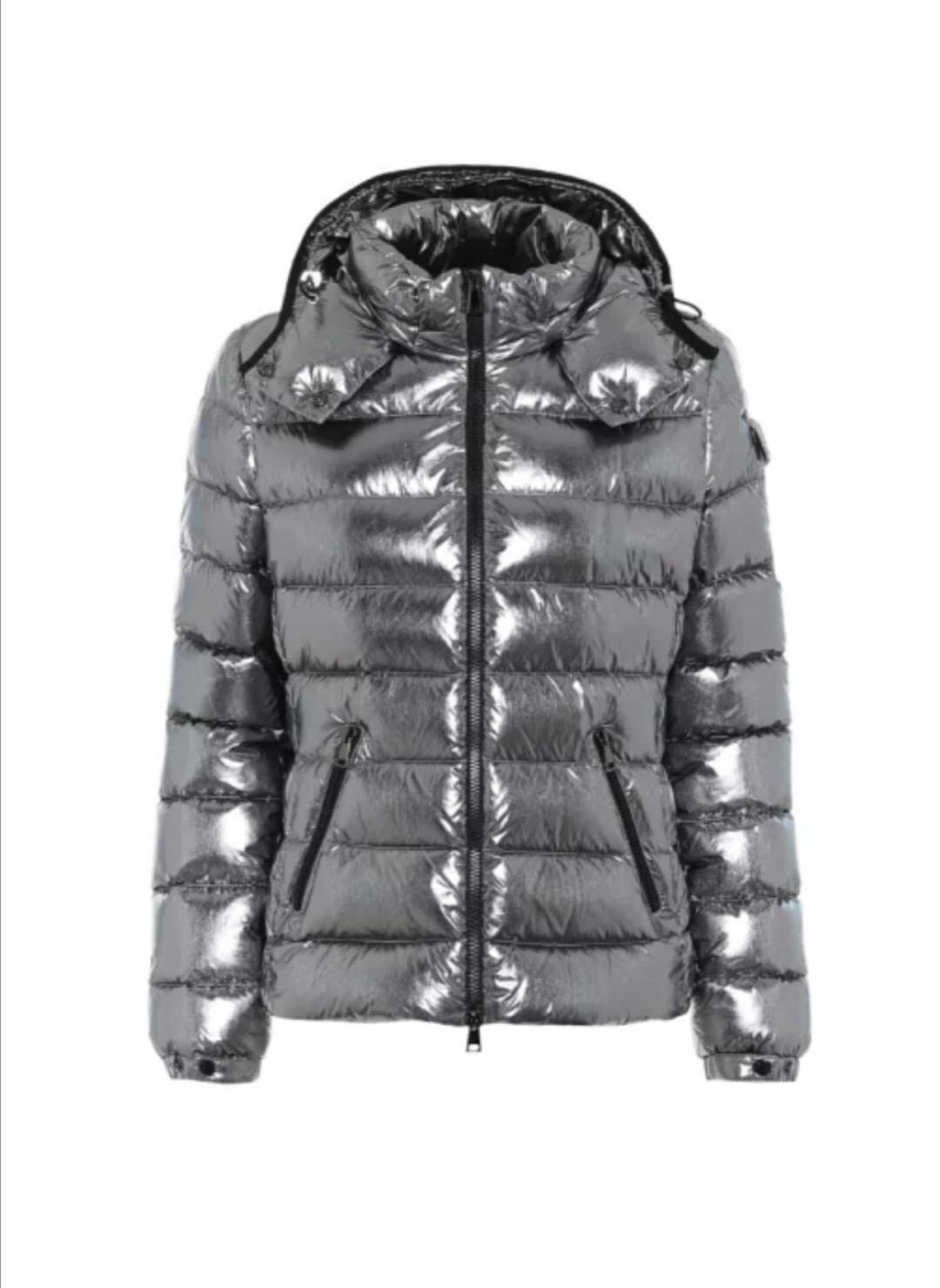 Branded inverno delle donne Down Jacket della signora del progettista lunghezza del cappotto maniche lunghe con cappuccio Ragazze spesso caldo del nastro Outwear