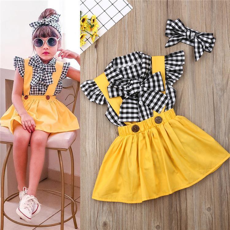 Yaz kız bebek çocuk giysileri Set kısa kollu tişört üst + askısı baskılı elbise + Kafa 3 parça seti çocuklar tasarımcı kıyafetleri kız fiyonklar