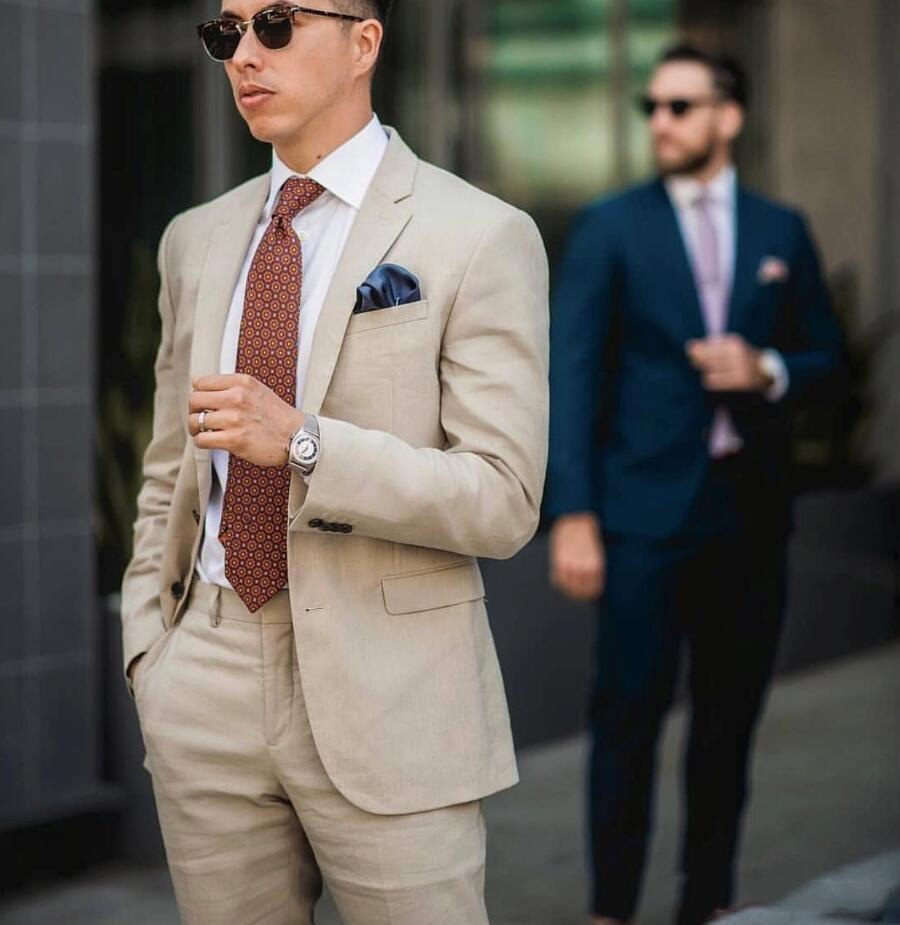 Dos botones populares padrinos de boda muesca solapa esmoquin novio hombres Trajes de boda / baile mejor hombre Blazer (+ Pantst + Tie Jacket) Y21