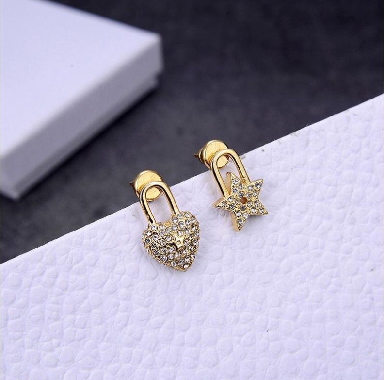 2020 vente chaude nouvelles boucles d'amour boucles d'oreilles asymétriques mode étoiles petites et exquis cadeaux de fête bureau tous les jours de haute qualité