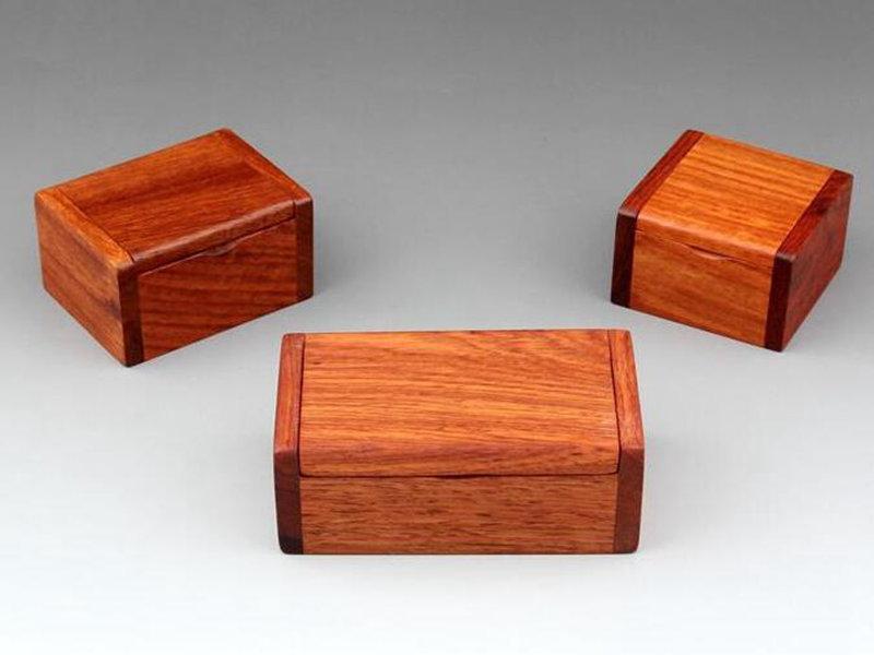 Rétro petit bois Boîte de rangement en bois de rose Bijoux trésor Perle en bois Cas vintage Organisateur Livraison rapide