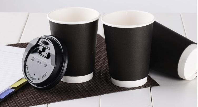 20pcs all'ingrosso 400ml bicchiere di carta nera, il calore isolati tazza di caffè usa e getta con due strati di caffè, stampa di marchio è disponibile