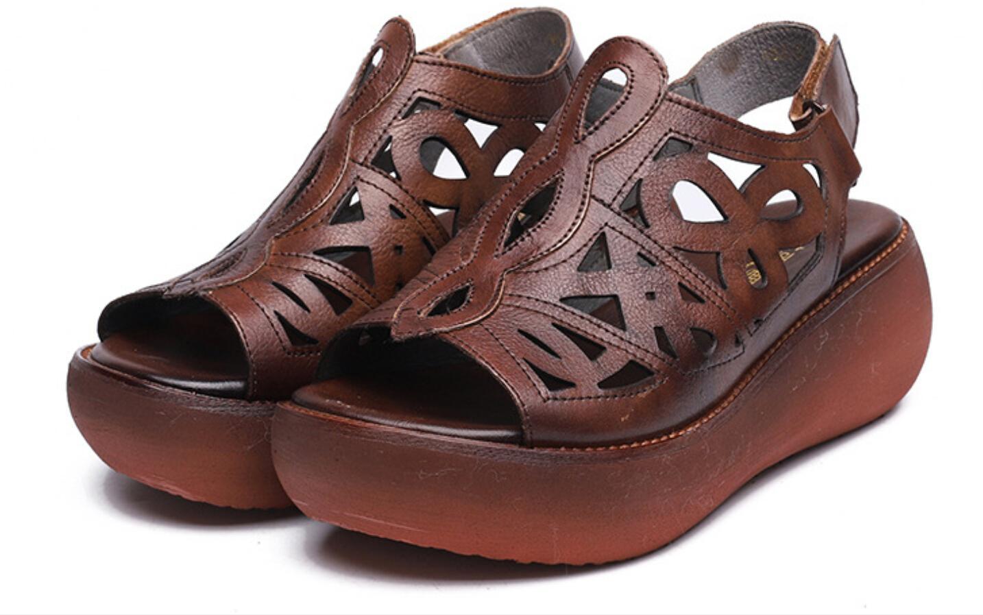 2020Hot vendita spessi sandali inferiori donne 2020 nuovi pattini di mamma estivi sandali vuoti in pelle moda retrò delle donne