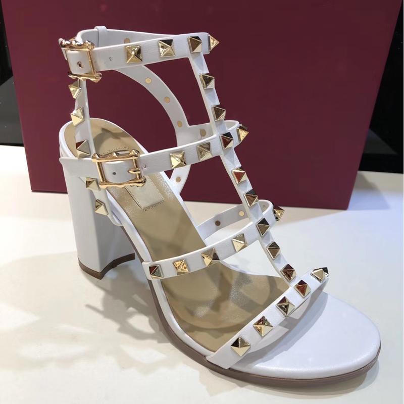 Hot Sale-dals Chaussures Mode pour femmes à gros talons Sandales 8 True Color Box Ceinture