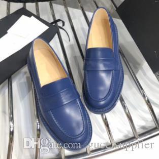 0729 A105 2019 der Frauen Mode Männer Freizeitschuhe Freizeit Turnschuhe Qualitäts-Sommer-Männer Falts Schuhe Schwarzweiss-Farben mit Kasten
