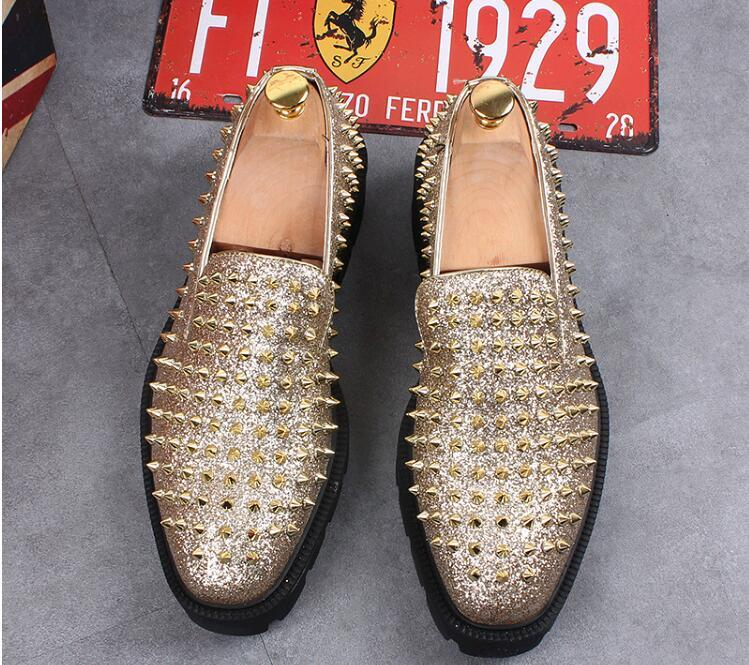 2019The new arrival Sparkling Men Formal Shoes Elegant Men Wedding Party Dress Leather Shoes Men's Gift Loafers Rivets loafers sp13