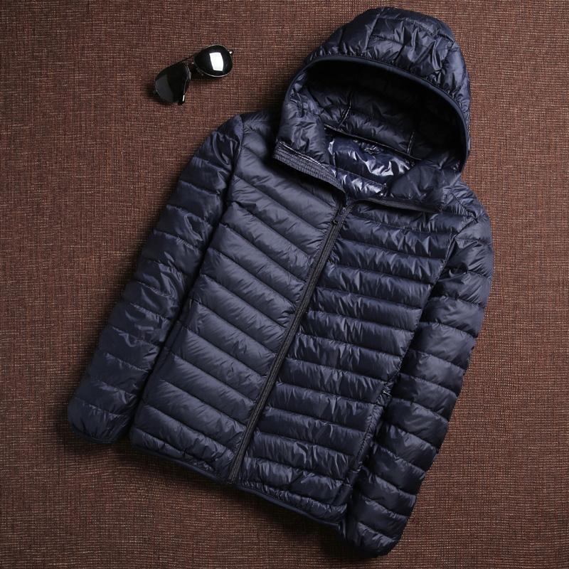 2019 Invierno Moda Ultra Light pato abajo de la chaqueta para hombre de Corea pluma de Calle Coats caliente del collar del soporte de los hombres Ropa