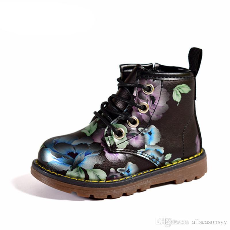 New Kids Girls Stivali in pelle Princess Martin Stivali Fashion Elegant Flowers Casual Child Shoe per bambina Baby Boots Shoes