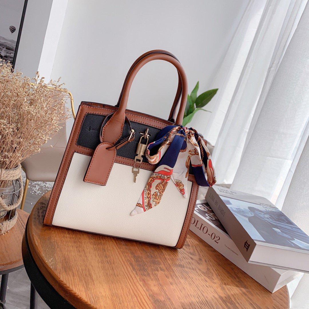 Yeni kadın Tasarımcı çanta Yüksek Kalite dokulu omuz çantası Ipek Atkılar Lady moda CFY20042244