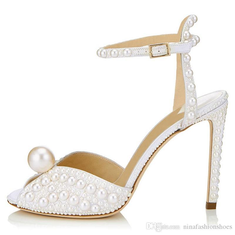 Frauen Perle Hochzeit Sandalen Peep Toe Absatz-Knöchel-Wölbungs-Bügel Sandelholz-Sommer-elegante Damen-Schuh-Partei Prom Weibliche Heels