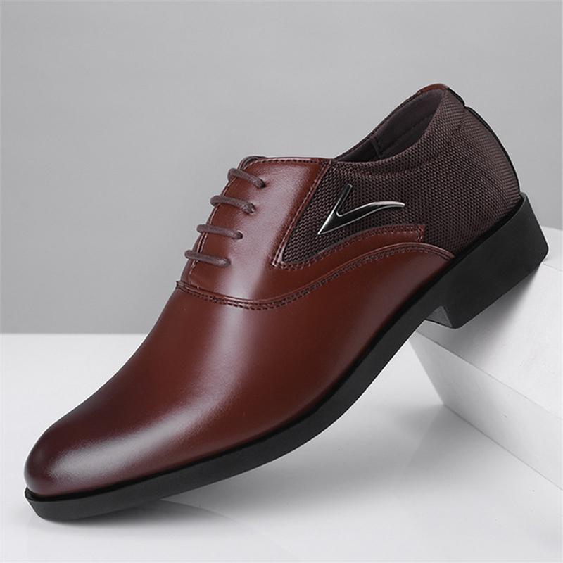 جديد فاخر بو الجلود أزياء الرجال اللباس الأعمال متعطل حذاء مدبب أسود أكسفورد تنفس الزفاف الرسمي العلامة التجارية الكلاسيكية شو
