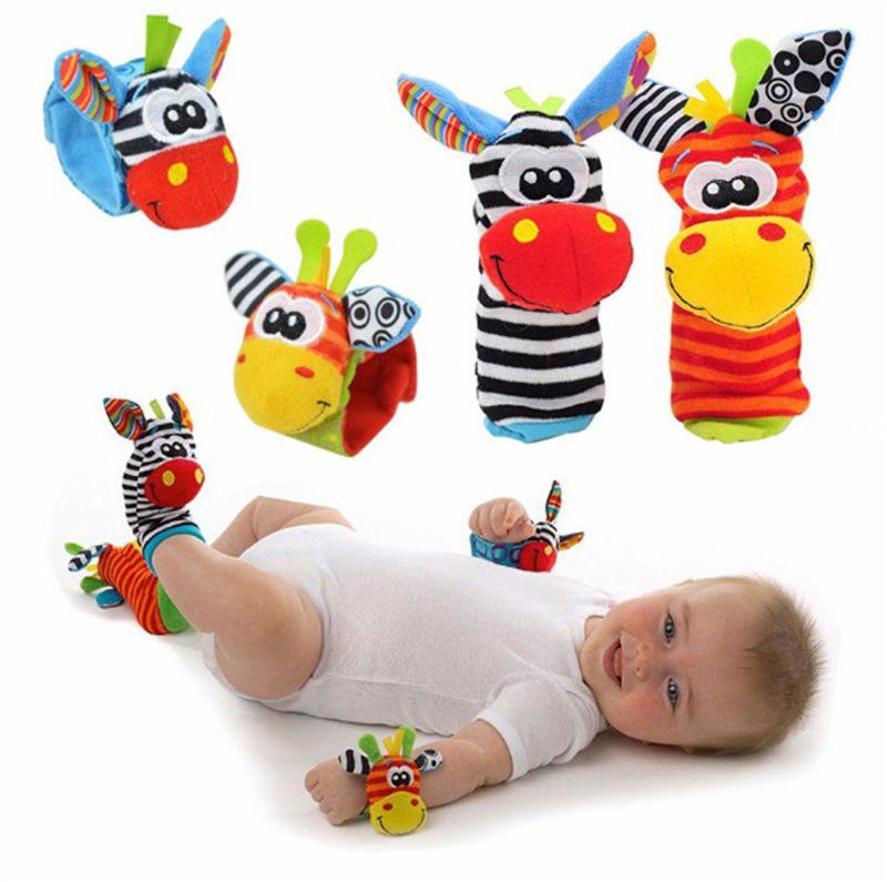 Karikatür Bebek Oyuncakları 0-12 Ay Yumuşak Hayvan Bebek Çıngıraklar Çocuk Bebek Yenidoğan Peluş Çorap Bebek Oyuncak Bilek Kayışı Ayak çorap