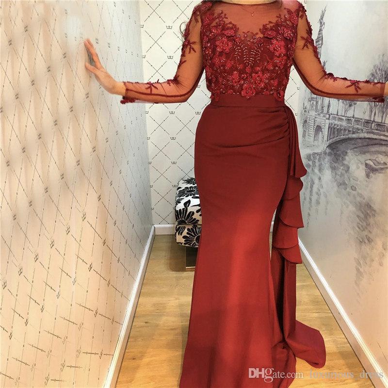 Burgund O-Ansatz Satin-Nixe-Abschlussball-Kleider 2019 mit Perlen verziert handgemachte Blumen mit langen Ärmeln Abendgarderobe Kleid-Partei-Abschlussball-Kleid